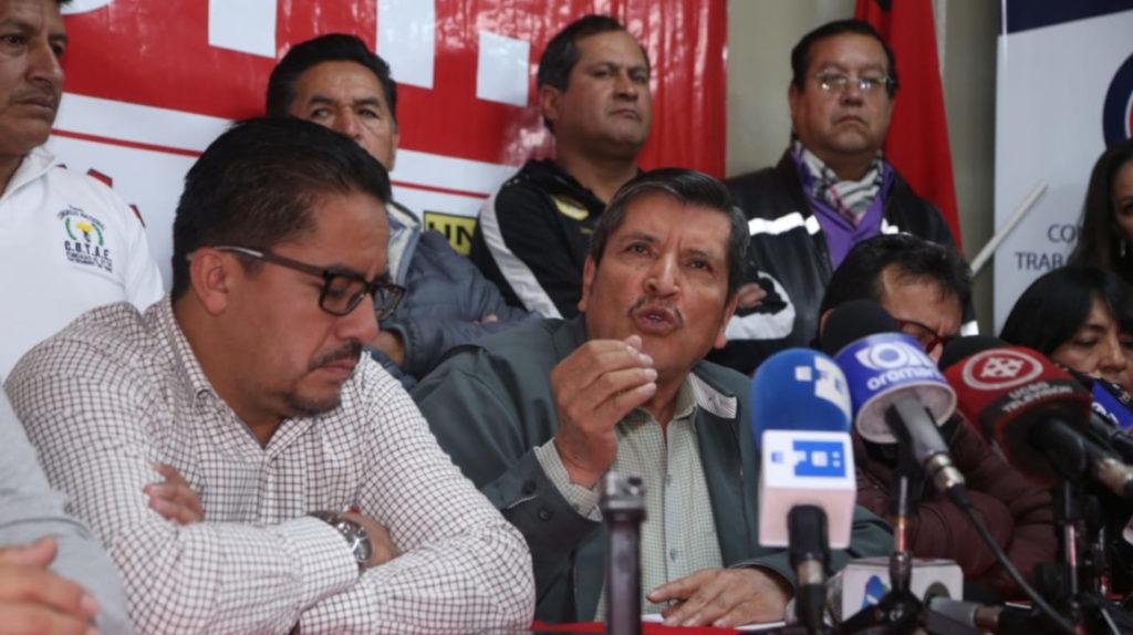 """Los sindicatos desisten de su movilización y el presidente les agradece la """"generosidad"""""""