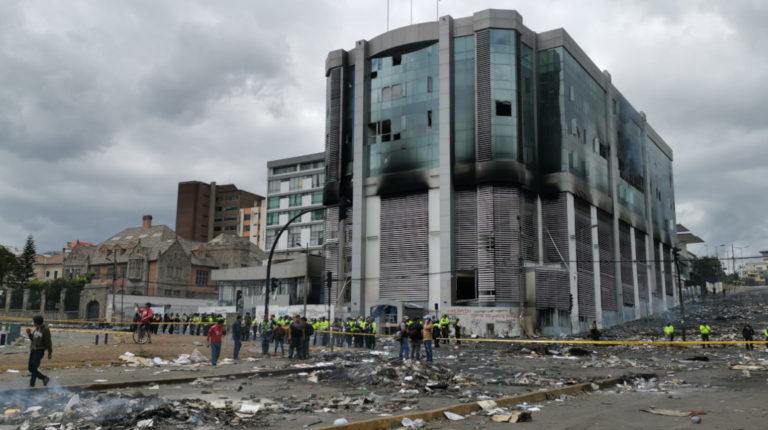 El edificio nuevo de Contraloría, el día después del incendio (12 de octubre de 2019), cuando el fuego ya había sido controlado.
