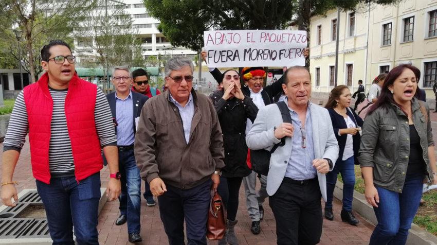 El miércoles 3 de octubre, la bancada de la Revolución Ciudadana pedía la destitución del presidente Lenín Moreno.