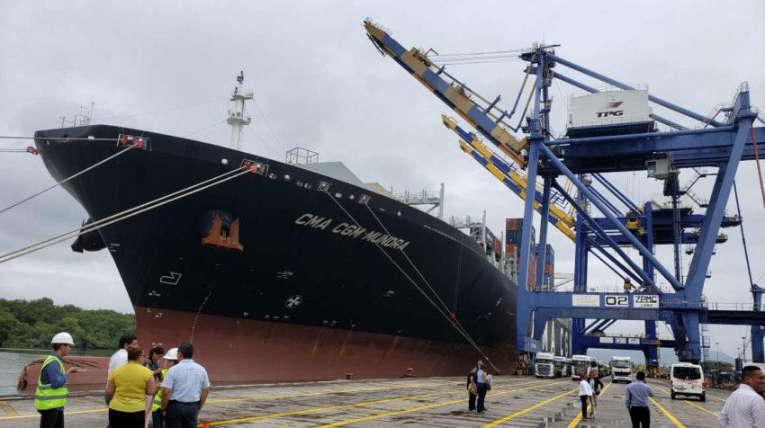 En el Terminal Porturario de Guayaquil (Trinipuerto) se recibió al buque CMA CGM Mundra,
