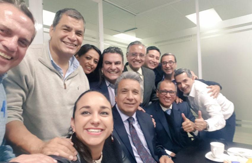 Algunas de las figuras más influyentes de Alianza PAIS en una imagen fue compartida en Twitter por Gabriela Rivadeneira el 12 de junio de 2017.