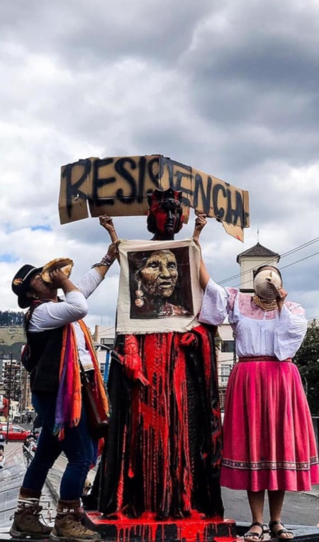 Detalle de fotografía tomada por Daniela Alcívar, durante las manifestaciones.