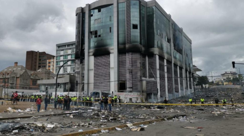 Quito amanece con 24 cortes de vías en el décimo primer día de protestas