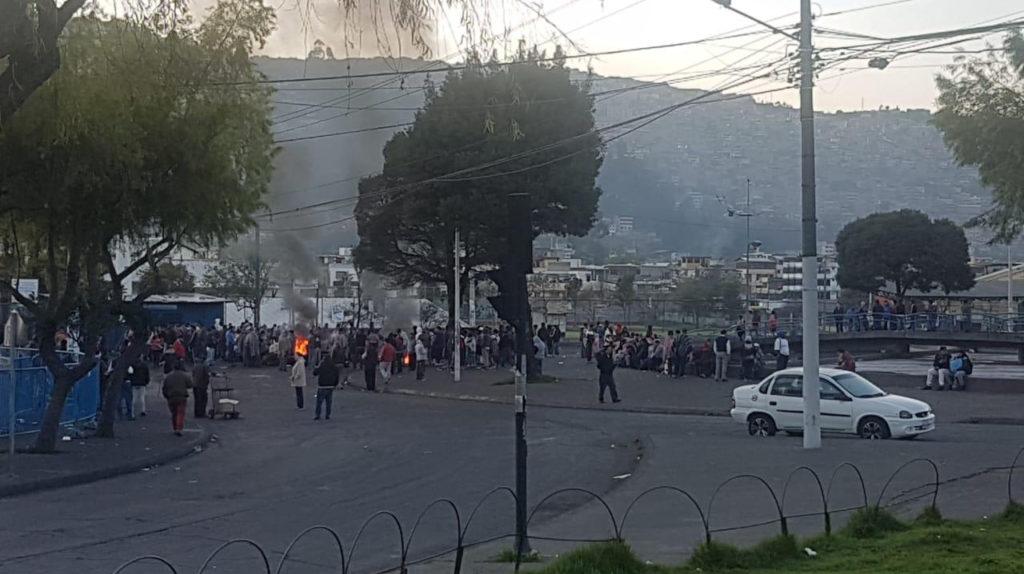 Mercados de Quito, obligados a cerrar por amenazas