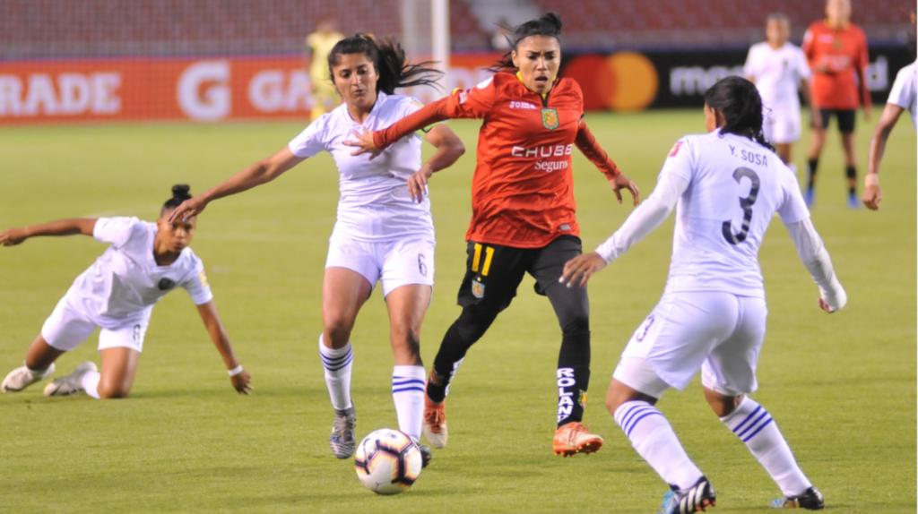 En su debut, Deportivo Cuenca ganó con un 'hat trick' de Madelin Riera