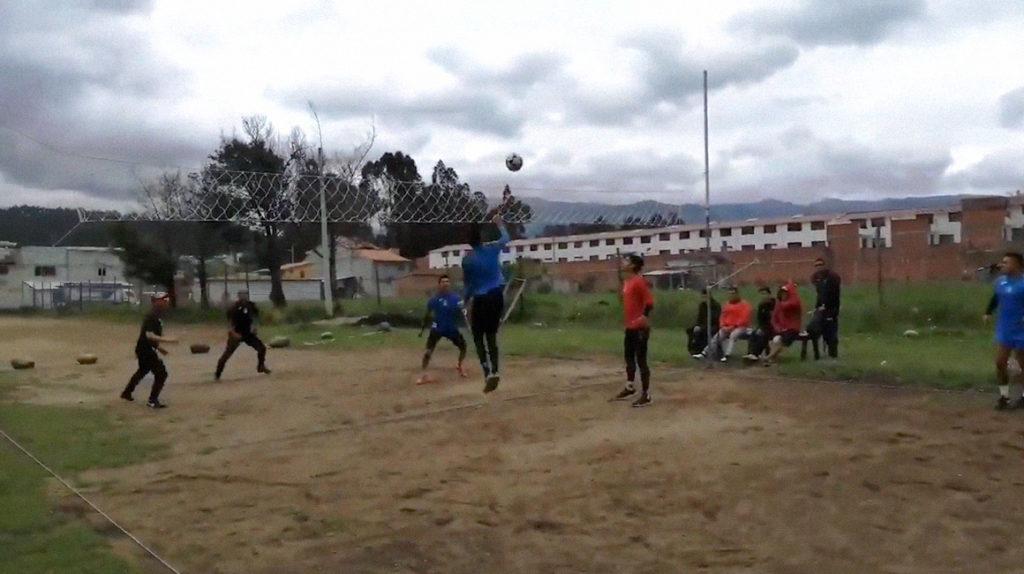Deportivo Cuenca y Macará se retan a un partido de ecuavoley