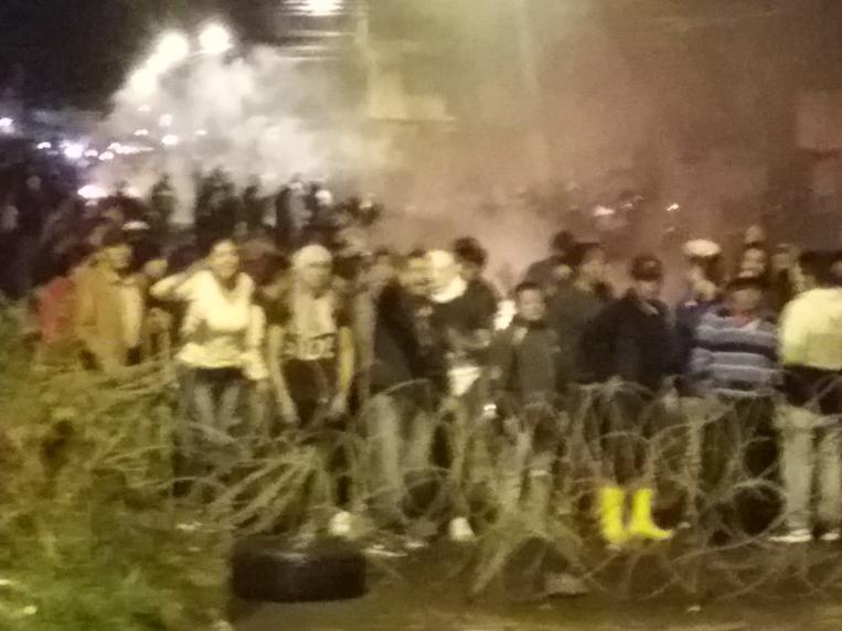 Militares desalojan manifestantes en las inmediaciones del  fuerte