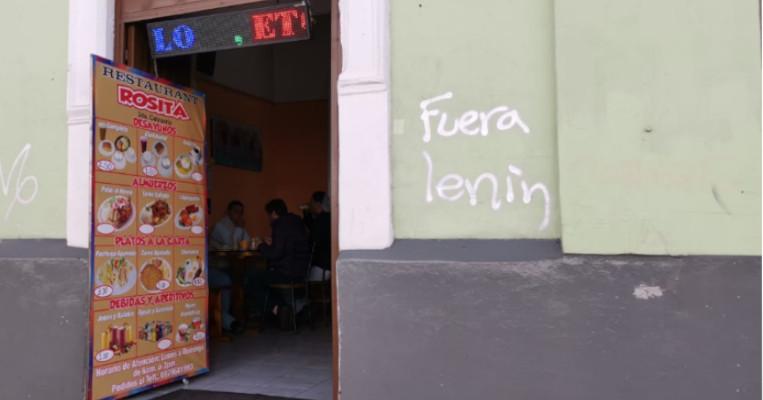 Un restaurante abierto en el Centro Histórico de Quito el 9 de octubre.