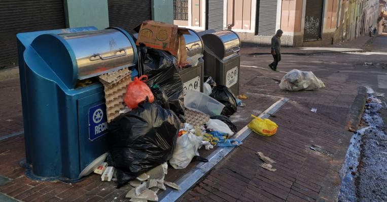 Contenedores de basura en el Centro Histórico el 9 de octubre.