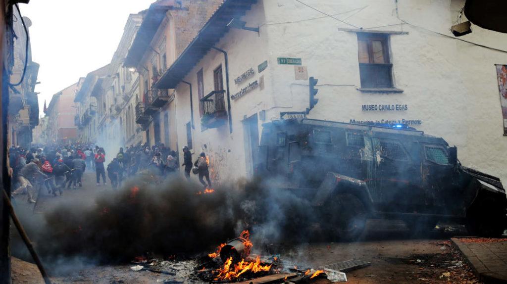 Las manifestaciones se vuelven violentas en el Centro Histórico de Quito
