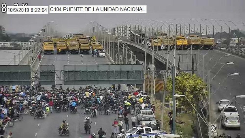 Puente de la Unidad Nacional en el tramo Durán-Guayaquil sigue cerrado