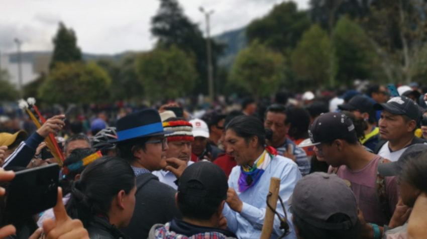 Líderes indígenas se reúnen para organizar la movilización, el 8 de octubre de 2019, en El Arbolito.