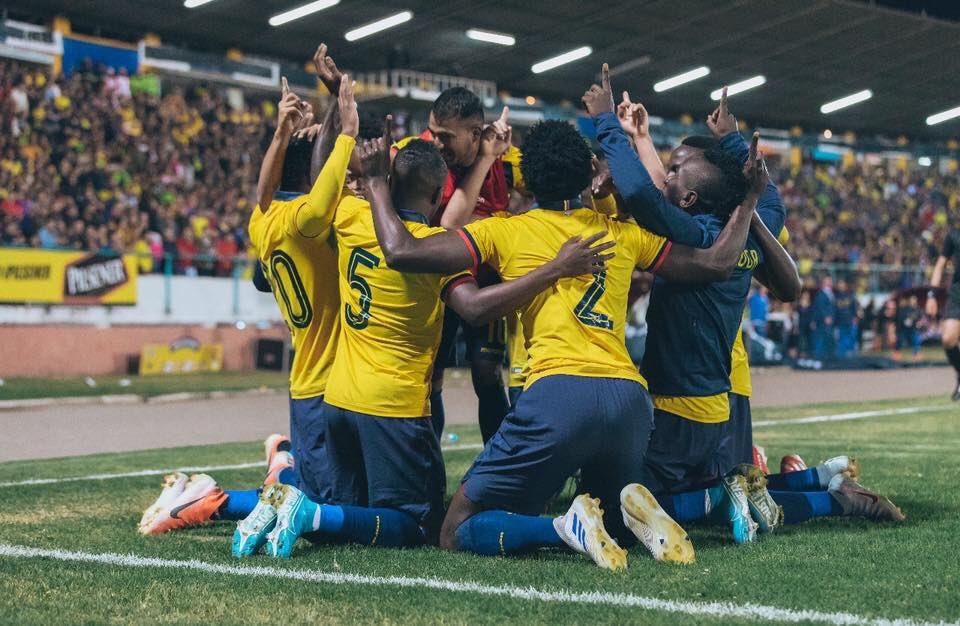 La Selección se concentró anoche y viaja el miércoles a España