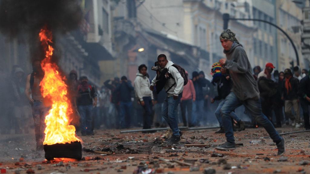 Pese a las manifestaciones y el vandalismo, el gobierno defendió las medidas económicas