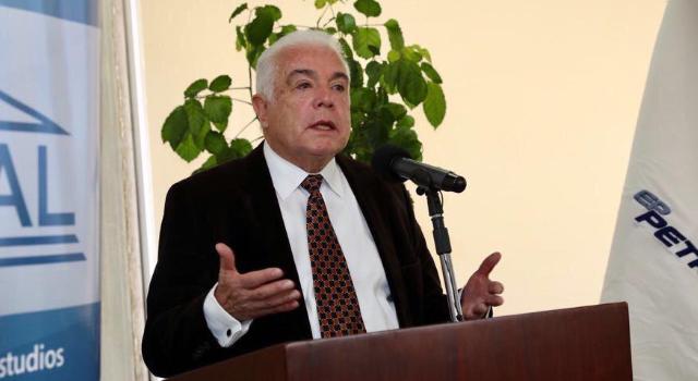 """Santos: """"con los subsidios el Estado perdía dinero pero mantenía contenta a la población"""""""