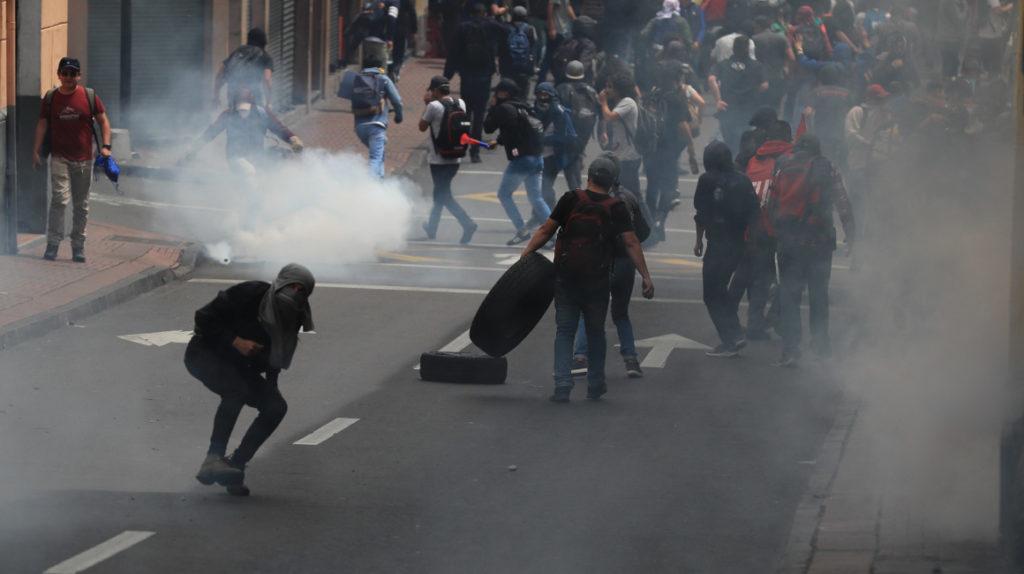 Manifestantes provocan cierres en distintas vías de Quito