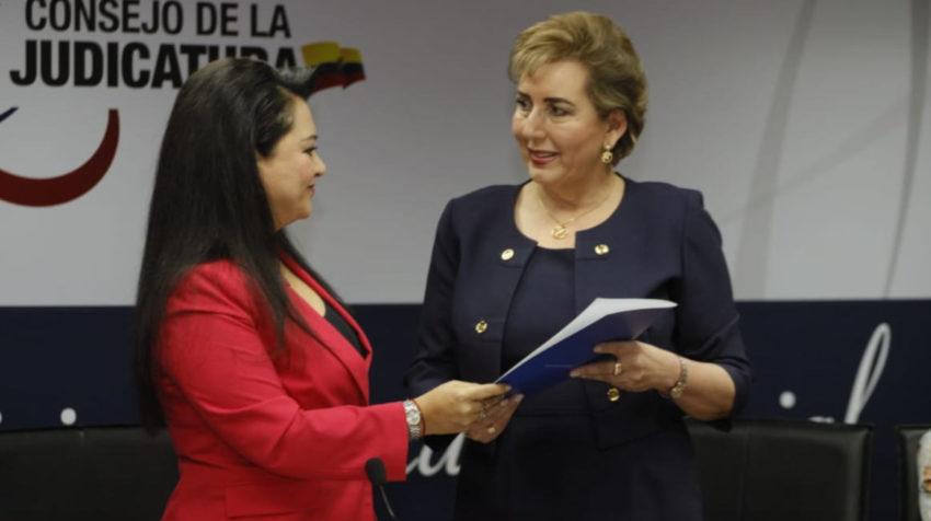 La presidenta del Consejo de la Judicatura, María del Carmen Maldonado, y la presidenta de la Corte Nacional, Paulina Aguirre.