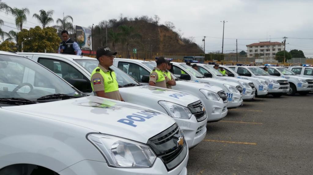Gobierno 'coquetea' con el municipio de Guayaquil con la entrega de 130 camionetas