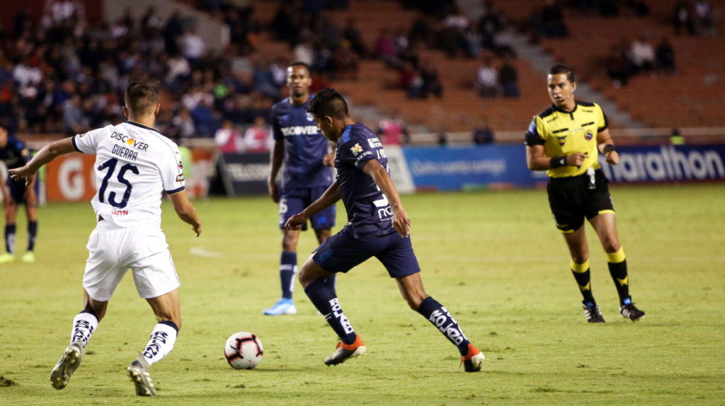 Católica vence 3 a 2 a Liga de Quito, en un partido emocionante