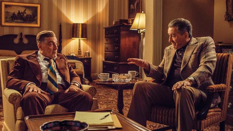 Al Pacino como Jimmy Hoffa y Robert De Niro como Frank Sheeran, en un fotograma de 'The Irishman'.