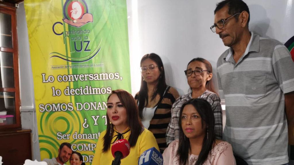 Pacientes de centros de diálisis piden recursos al gobierno central