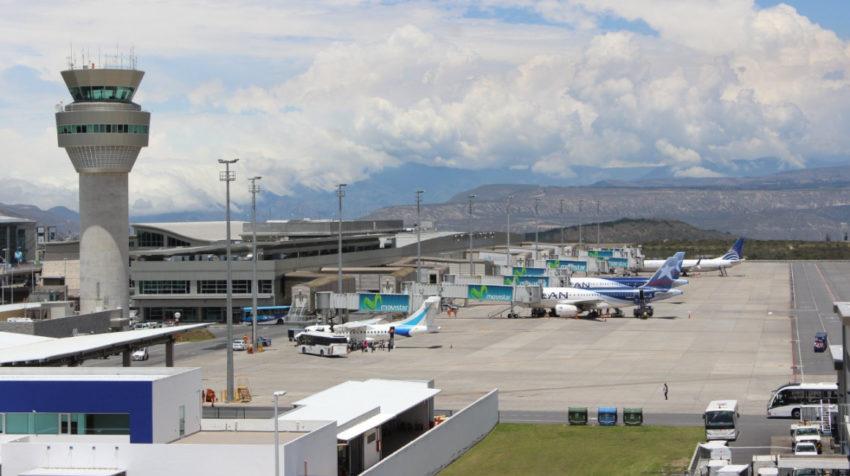 Vista del Aeropuerto Internacional Mariscal Sucre en Quito.