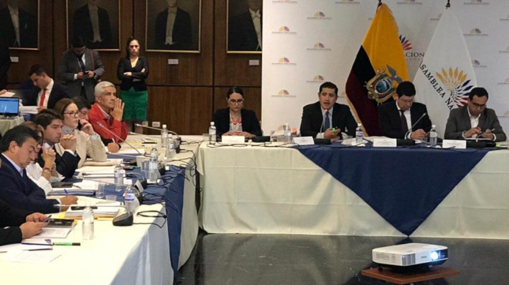 Martínez: a defender el Presupuesto, tras el naufragio de ley económica