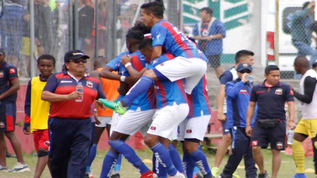 Deportivo Quito goleó y es líder de la Copa Pichincha