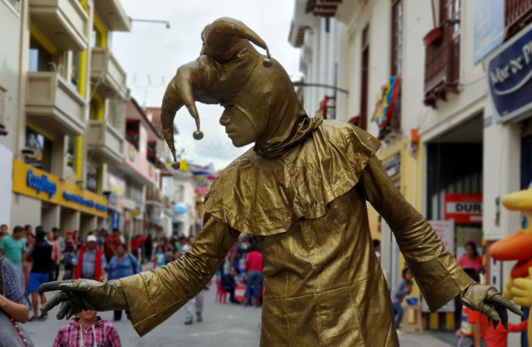 Otra de las actividades del FIAVL Off, en las calles de Loja.