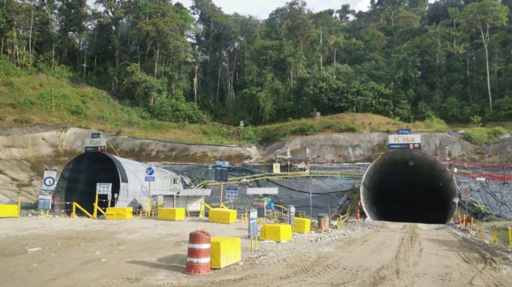 Bloqueo vial afecta operaciones del proyecto minero Fruta del Norte