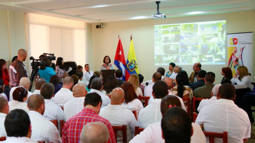 Cuba niega irregularidades con sus médicos en Ecuador y culpa a EE. UU.