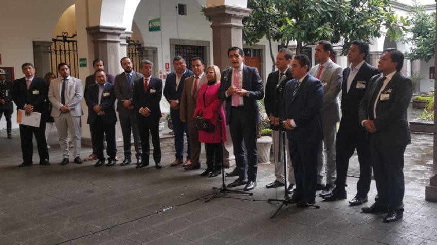 El ministro de Finanzas, Richard Martínez, durante la reunión con la Asociación de Municipalidades del Ecuador (AME), el 12 de noviembre de 2019.