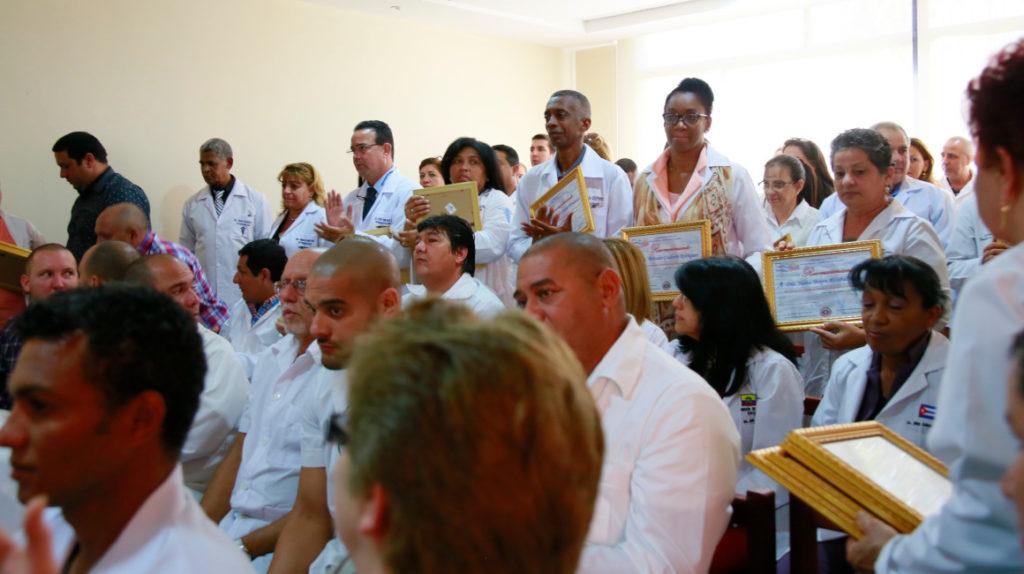 Los argumentos para la salida de los médicos cubanos no son claros