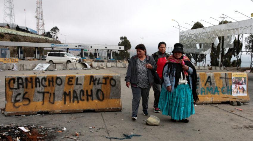 En la ciudad de El Alto los pobladores se manifiestan en favor de Evo Morales.