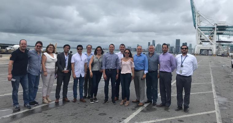 Una delegación de la CCQ visitó en octubre el puerto de Miami.