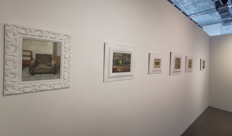 Varias de las obras de Ilowasky Ganchala, que forman parte de 'Pequeñas realidades'.