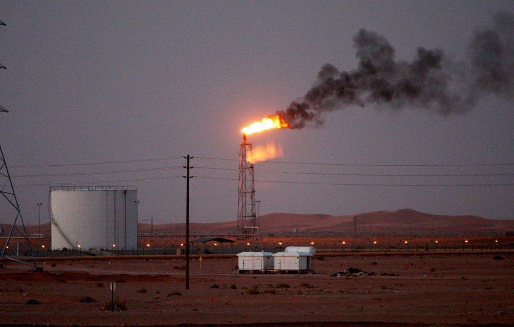 Arabia Saudita e Irán hacen subir el precio del petróleo
