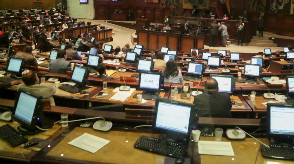 Prosecretario de la Asamblea renuncia tras error en trámite de la reforma tributaria