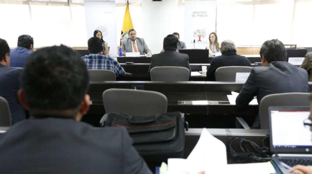 El salario básico en Ecuador para 2020 será de USD 400