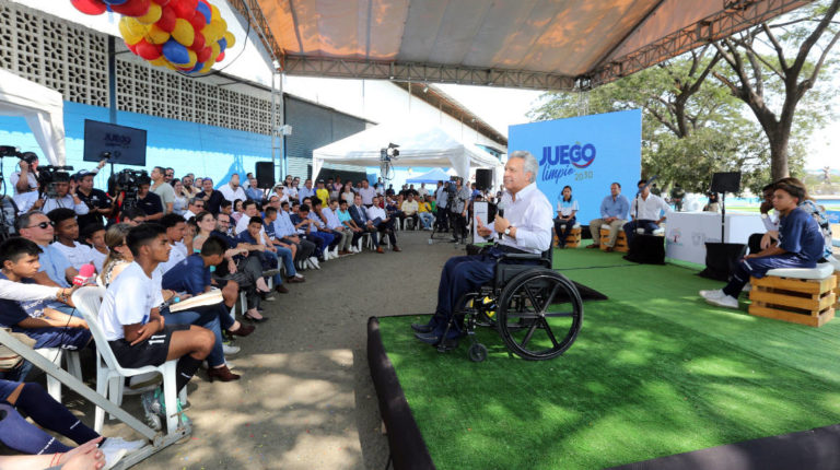 El presidente Lenín Moreno inauguró la primera cancha de la iniciativa ¨Juego Limpio 2030¨, en Guayaquil, este 20 de diciembre de 2019.
