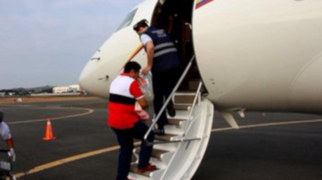 Una niña viaja a Miami en el avión presidencial para intervención quirúrgica