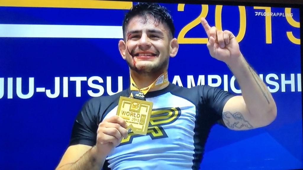 Johnny Tama obtuvo el campeonato mundial de Jiu-Jitsu en cinta negra
