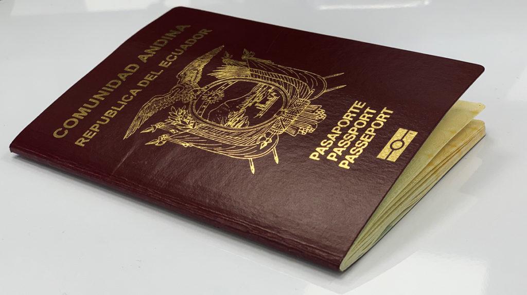 Ecuador quiere emitir pasaportes biométricos en abril de 2020