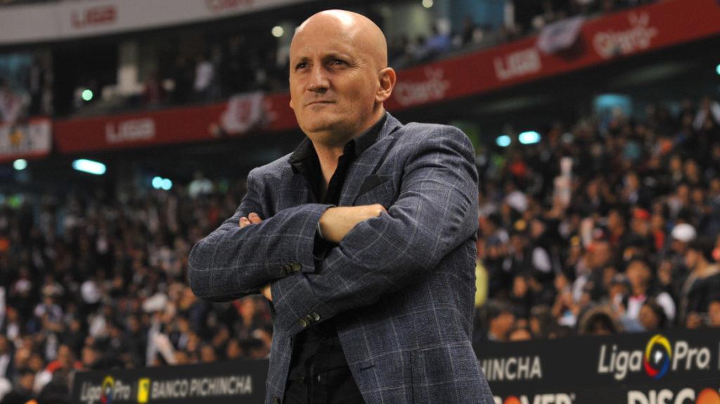 """Pablo Repetto: """"el árbitro Marlon Vera siguió el ritmo de Delfín"""""""