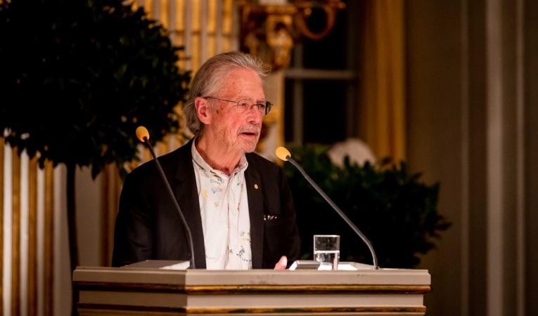 Peter Handke, durante su discurso en la Academia Sueca de Estocolmo, este 7 de diciembre de 2019.