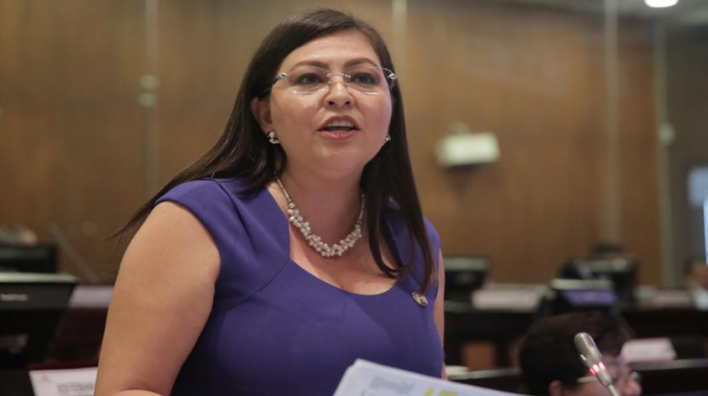Juez sobresee a Sofía Espín y ella puede volver al país