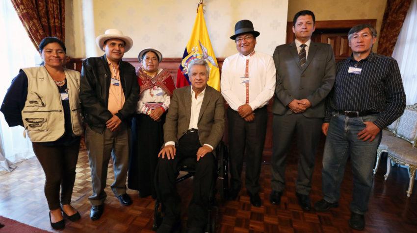 El presidente Moreno con los dirigentes de la Fenocin, en Quito, el 22 de octubre de 2019.