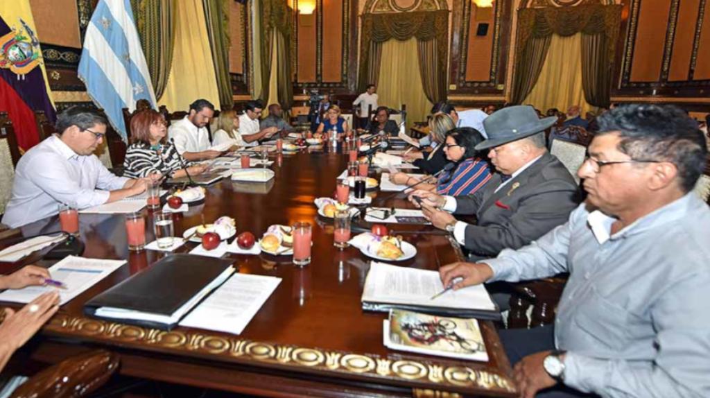 Guayaquil complica la relación del Ejecutivo con otros gobiernos locales