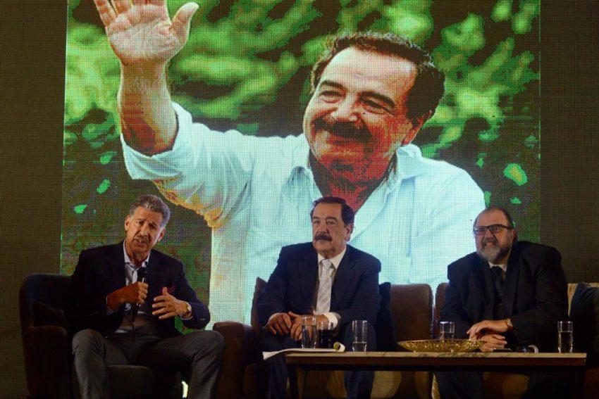 """Jaime Nebot participó del lanzamiento del libro """"Jaime Nebot el camino a la prosperidad"""", en Guayaquil, el 4 de diciembre de 2019."""