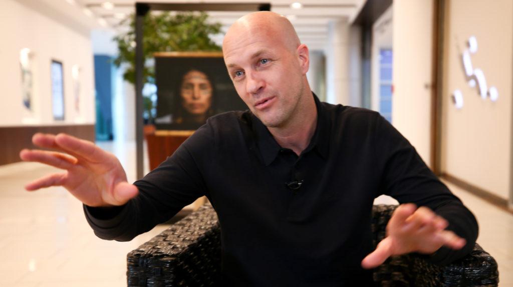 Jordi Cruyff afirma que se ajustará al ADN del futbolista ecuatoriano